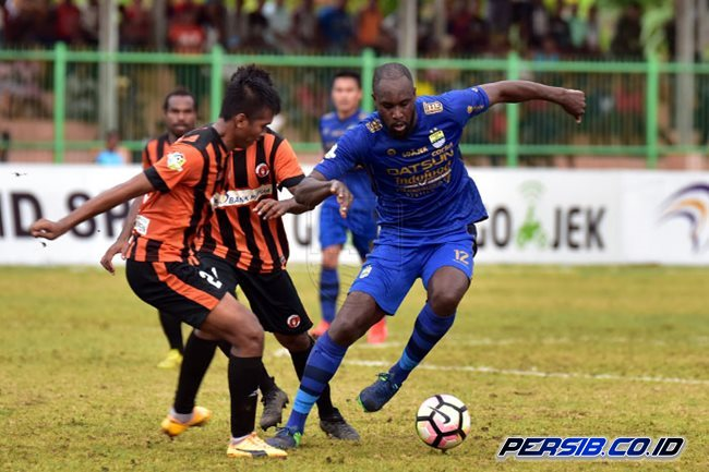 17a2dd78104824 Off-form Carlton Cole sacked by Persib – THE PARROT